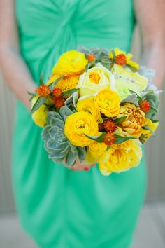 A vibrant #bouquet. Photography: Jenna Marie Photography - jennamariephoto.com, Floral Design: FleurEssence - fleuressence.net  Read More: http://www.stylemepretty.com/california-weddings/2014/05/30/music-inspired-sonoma-wedding/
