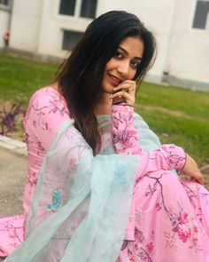 """suit only on Instagram: """"Follow @suit.loverzz ❤️for more amazing pics . Send your videos in order to highlight. . 🤩🤩🤩🤩🤩🤩🤩🤩🤩 . Do follow @i_love_u_mitthi…"""" Beautiful Dress Designs, Beautiful Dresses, Pakistani Party Wear Dresses, Flower Silhouette, Embroidery Suits Design, Teenage Girl Photography, Cute Girl Photo, Beautiful Girl Indian, Amazing Pics"""