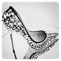 Trendy High Heels For Ladies : Jimmy Choo Rich Crystal Embellished Stiletto Pumps Hot Shoes, Women's Shoes, Me Too Shoes, Shoe Boots, Bling Shoes, Wide Shoes, Louboutin Shoes, Ugg Boots, Dance Shoes