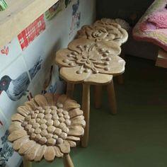 tabourets, pièces uniques, réalisés en collaboration avec un artiste qui travaille le bois