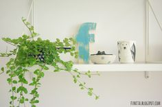 Marimekko porcelain mug and blue letter / porcelanowy kubek Marimekko i niebieska drewniana literka