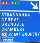 Travel to France and travel within France by car, train or plane - the options Motorway Signs, Strasbourg, France Travel, Funny Signs, Plane, Train, Car, Tips, Automobile