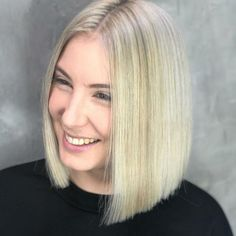    SMILE ITS FRIDAY 🙌🏽   Colour and styling done by our Senior Colourist @zoebodahaircutters