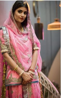 Rajasthani Dress, Royal Look, Indian Gowns Dresses, Indian Bridal Fashion, Bridal Style, Trendy Outfits, Sari, Culture, Manish