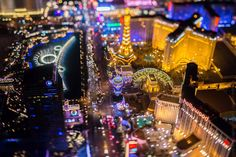vincent laforet's view of vegas makes sin city look like a motherboard