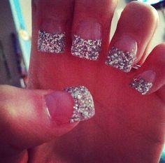 glitter glitter everywhere! super fun prom nails!