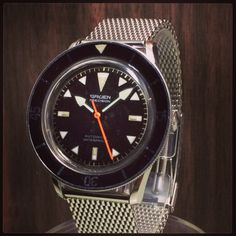 GRUEN Diver Watch 1960'S. I love the hour markers!