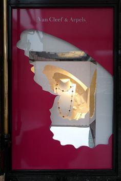 Van-Cleef-Arpels-juvelirnye-vitriny-vitrinistika.ru-004.jpg (534×800)