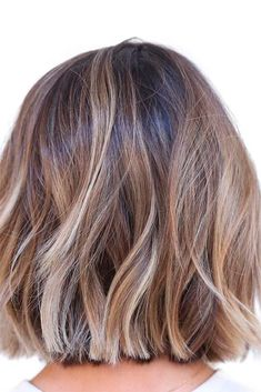 hair inspiration 2019 54 Cream Blonde Hair Color Ideas for Short Haircuts in Spring 2019 - Wass Sell Medium Hair Cuts, Short Hair Cuts, Medium Hair Styles, Curly Hair Styles, Short Blunt Hair, Long Blunt Bob, Medium Bobs, Bob Hairstyles 2018, Medium Bob Hairstyles