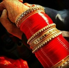 Fulfill a Wedding Tradition with Estate Bridal Jewelry Big Fat Indian Wedding, Indian Wedding Jewelry, Indian Bridal, Wedding Chura, Bridal Wedding Dresses, Bridal Bangles, Bridal Jewelry, Fashion Bracelets, Fashion Necklace
