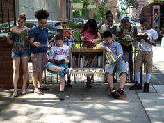 Oito bibliotecas comunitárias que levam leitura aos espaços públicos