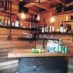 50 Pub Shed Bar Ideas For Men - Cool Backyard Retreat Designs : Small Simple Pub Shed Bar Ideas Bar Interior, Man Shed Interior Ideas, Backyard Bar, Backyard Retreat, Patio Bar, Backyard Ideas, Party Shed, Garden Bar Shed, Garden Sheds