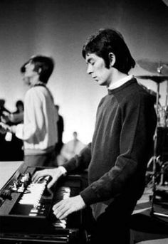 Small Faces, Rock Chic, Candid, Music, Fictional Characters, Shots, Artists, Musica, Musik