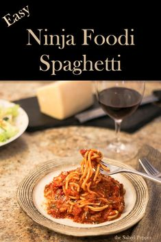 Quick & Easy NO FAIL spaghetti recipe for the Ninja Foodi or IP. If you like a saucy spaghetti with al dente noodles, this recipe is for you! No more clumpy, stuck together, and over cooked noodles. This recipe is sure to please the entire family! Spaghetti Recipes, Pasta Recipes, Cooking Recipes, Salad Recipes, Ninja Cooking System, Ninja Recipes, Instant Pot Dinner Recipes, Pressure Cooker Recipes, Amigurumi