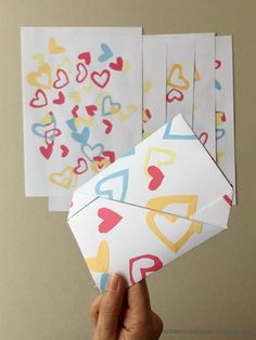 DIY: Origami - Briefumschlag (french envelope) -  schaeresteipapier: Einen Brief am Valentinstag bekommen...