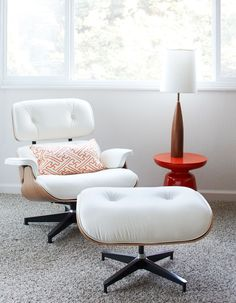 Eames Lounge Chair in white