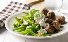Krydrede kødboller i perlespeltsalat Lidt smag af Tyrkiet fra hvidløg, citron og spidskommen.