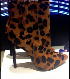 ♥ them! Schultz Shoes
