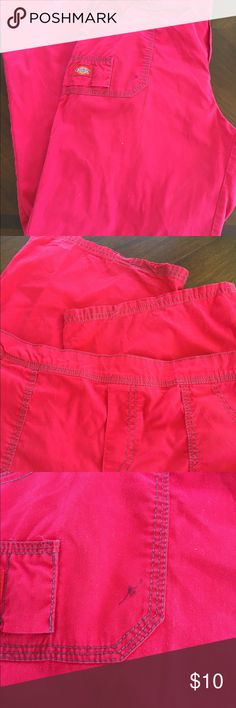 Dickies woman's scrub bottoms Woman's scrub bottoms. Size medium. Red and super cute. They do have a small pen mark on the front pocket , otherwise like new ( price reflects this) Dickies Pants Boot Cut & Flare
