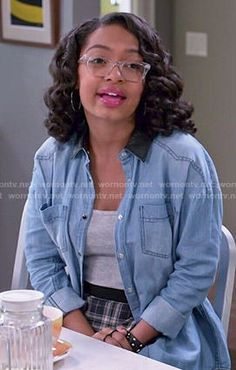 Zoey's chambray shirt with leather collar on Black-ish.  Outfit Details: http://wornontv.net/49016/ #Black-ish