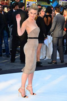 I want her body!  Alice Eve at the London 'Star Trek: Into Darkness' Premier. STAHP ALICE JUST STAHP.