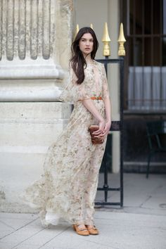 Floaty & feminine maxi dress with soft muted print; style love // Chloe Resort
