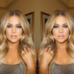 Khloe Kardashian showed off her new blonde hair with beachy waves and bronzed skin while in Armenia on April 9 with sis Kim Kardashian. Khloe Kardashian, gave us all major hair envy when she sh… Khloe Kardashian Show, Kardashian Wedding, Balliage Hair, Blonde Hair, Khloe Hair, Hair Inspiration, Makeup Looks, Cool Hairstyles, Hair Makeup
