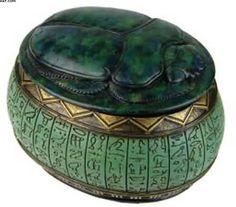 Egyptian jewelry box; NEED!!! Love too toss my jewelery in!