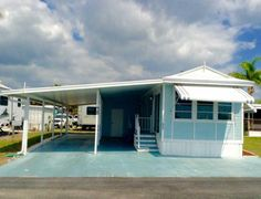 Exterior 1994 Heart Mobile / Manufactured Home in Bradenton, FL via MHVillage.com