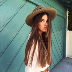 Tousled waves and beachy texture totally DOMINATED celeb style this week. While effortless, bedhead manes seemingly never go out of style, scroll. Negin Mirsalehi, Pinterest Hair, Sexy Girl, Girls Image, Looks Style, Gorgeous Hair, Beautiful, Hair Goals, My Hair