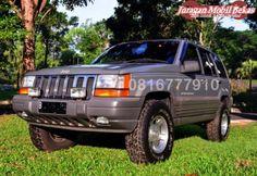 Jual Mobil Bekas  Jeep Grand Cherokee ZJ - 2002
