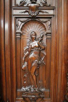 ~ Exceptional Walnut Monumental Renaissance Cabinet 19th C. ~ antiq.com/houtroos