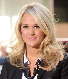 carrie underwood hairstyle | Carrie Underwood Medium Length Hairstyle: Half Up Half Down for ...