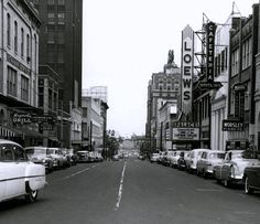 Looking east on Union around 1954 past the Worsley Piano Co. is the 2nd Britling Cafeteria to open in Memphis with the magnificent Loews Palace just past that. The big building on down a bit with the sign on the very top is the Peabody Hotel.