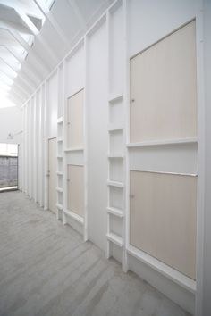 Koyasan Guest House by Alphaville Architects Capsule Hotel Japan, Bunk Beds Built In, Loft Beds, Hotel Room Design, Scandinavian Home, Hostel, Home Renovation, Small Spaces, Home Goods