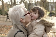 Say Bonjour to French Grandmothers: French grandmothers seem to accept aging gracefully. French Names, French Phrases, Aging Gracefully, Videos, Orlando, Youtube, Grandmothers, Sayings, Couple Photos