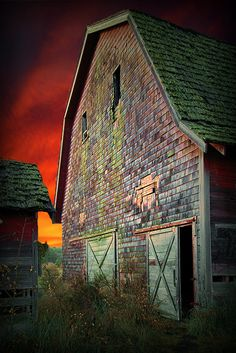 Colors of the sky and barn. <3