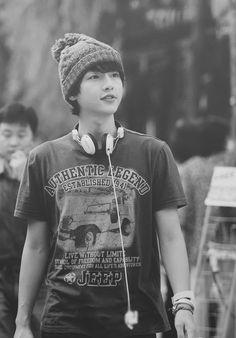 Song Joong-Ki- so cute W Kdrama, Kdrama Actors, Song Joong, Song Hye Kyo, Daejeon, Asian Boys, Asian Men, Soon Joong Ki, A Werewolf Boy