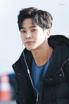 Korean Men, Korean Actors, Korean Idols, Kpop, Kang Chan Hee, Chani Sf9, Sf 9, Cute Asian Guys, Korea Boy