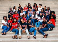 In we wanted something greater, your president walked out and founded Delta Sigma Theta. Sorority Sisters, Sorority Life, Large Group Photos, Sorority Pictures, Hot Topic Clothes, Divine Nine, Delta Girl, Foto Casual, Grad Pics