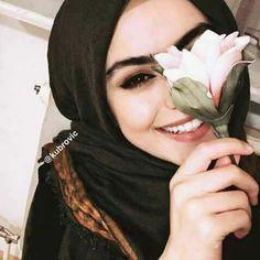 PINNED BY @MUSKAZJAHAN - @urbaesbae15 Hijab Niqab, Hijab Chic, Hijabi Girl, Girl Hijab, Arab Fashion, Muslim Fashion, Hijab Stile, Hijab Dpz, Islam Women