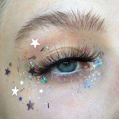 Makeup, make up eye, star makeup, makeup art, festival makeup gli Makeup Goals, Makeup Inspo, Makeup Art, Makeup Inspiration, Makeup Tips, Beauty Makeup, Makeup Ideas, Makeup Primer, Wolf Makeup