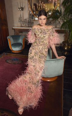 MARCHESA on Sale: Tulle Off Shoulder Fit and Flare Coral Gown Buy from Best selection of authentic designer dresses online. Diva Fashion, Fashion 2020, Couture Fashion, Runway Fashion, Fashion Show, Fashion Looks, Fashion Design, Spring Fashion, Fashion Trends