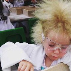 Girl With Uncombable Hair Syndrome Rocks Her Rare Condition With Style New Hair Color Trends, New Hair Colors, Mushroom Hair, Hair Colour For Green Eyes, Rocks, Beauty, Style, Swag, Stylus