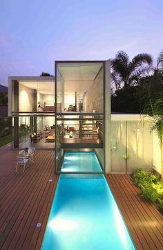 Resultado de imagen de piscinas dentro fuera salon