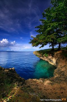 Hidden cove in Biak, West Papua, Indonesia. Been here. Biak is so gorgeous.