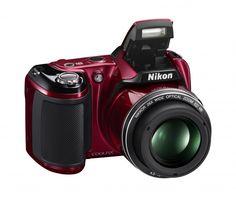 Nikon COOLPIX L810 - Tryb łatwej automatyki dostosowuje ustawienia aparatu za użytkownika. Umieszczona z boku dźwignia zoomu oraz technologia niwelująca efekt poruszenia gwarantują wysoką ostrość i doskonałą jakość zdjęć.
