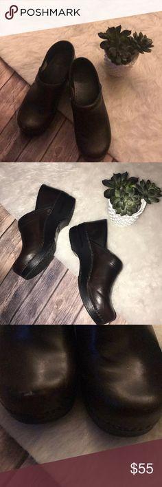 Dansko dark brown nursing professional clogs shoes Dansko dark brown nursing professional clogs shoes Dansko Shoes Mules & Clogs