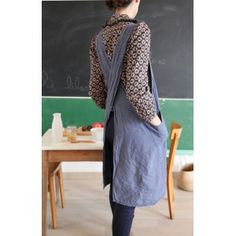 Japanese washed linen apron (denim color) - Le Repère des Belettes