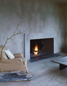 We will get acquainted with the interior design in the style of wabi-sabi - Japanese aesthetics that you will definitely want to apply in your home Wabi Sabi, Home Living, Living Spaces, Fireplace Design, Concrete Fireplace, Porch Fireplace, Simple Fireplace, Open Fireplace, Concrete Wall